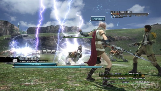 Final Fantasy XIII Lightning lance une attaque