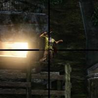 Uncharted visée avec un fusil de sniper sur un ennemi