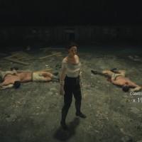 Assassin's Creed® Syndicate Evie combat à mains nues et a étalé trois adversaires