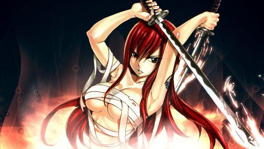 Erza Scarlet tient deux épées dans les flammes avec des bandages sur le corps