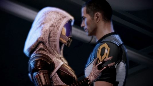 Mass Effect 2 Shepard enlace la jolie Quarienne Tali