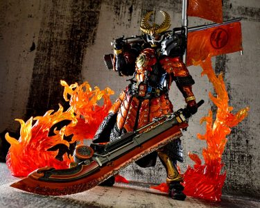 SIC Kamen Rider Gaim Kachidoki Arms flammes pose Bandai Band of Geeks