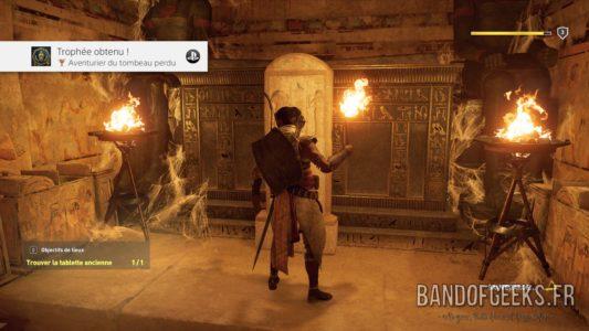 Assassin's Creed Origins Bayek devant un tombeau