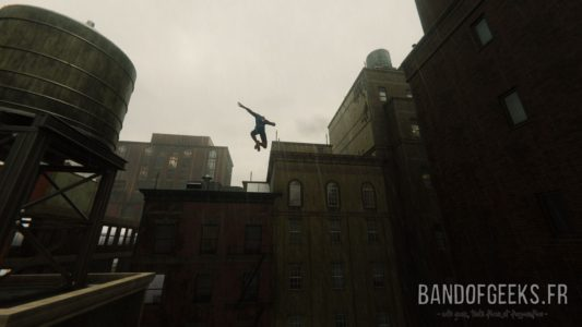 Marvel's Spider-Man buildings pluie temps gris Band of Geeks