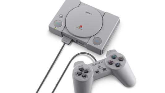 PlayStation Classic console et manette