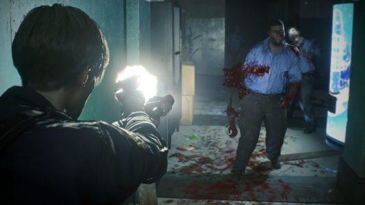 Resident Evil 2 Leon tire sur des zombies policiers
