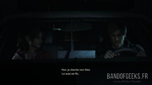 Resident Evil 2 Claire et Léon au volant d'une voiture de police