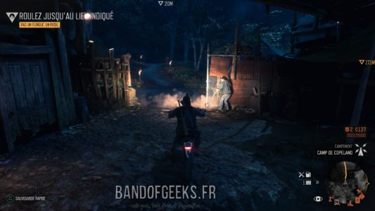 Days Gone Deacon sort en moto du camp de Copeland