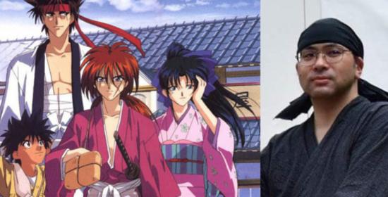 Nobuhiro Watsuki pose à côté de ses personnages