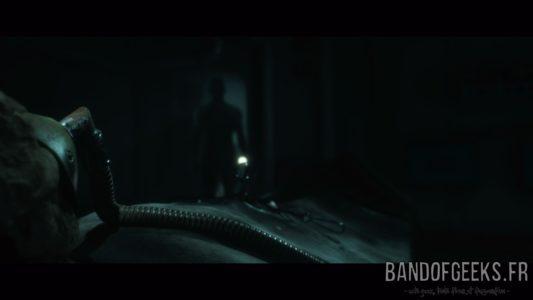 Man of Medan Alex découvre un cadavre