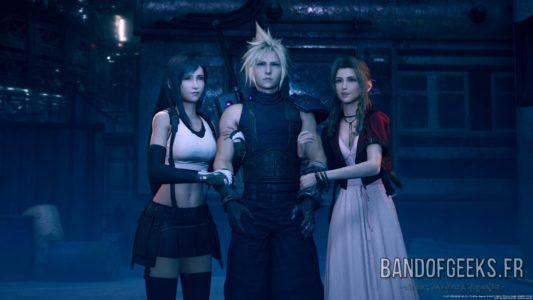 Final Fantasy VII Remake Cloud aux bras de Tifa et Aerith