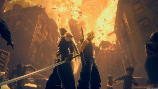 Final Fantasy VII Remake Cloud et Sephiroth devant une ville en flammes
