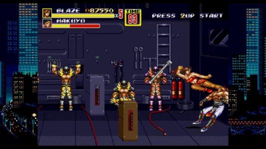 Streets of Rage II Blaze saute et donne un coup de pied à un ennemi