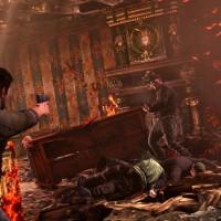 Uncharted Nathan Drake affronte un ennemi dans une maison en proie aux flammes
